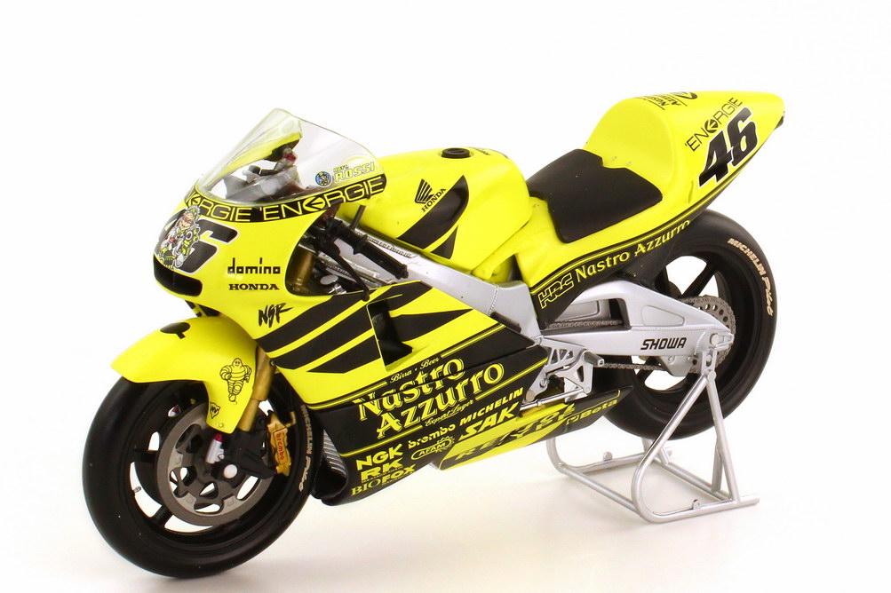 Foto 1:12 Honda NSR 500 500-ccm 2001 Pre-Season Testbike gelb schwarz Nr.46 Valentino Rossi - Minichamps 122016946
