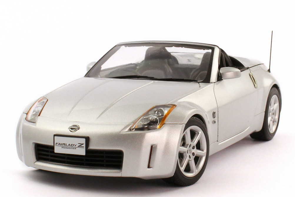 1:18 Nissan Fairlady Z / 350Z Roadster (Z33) RHD diamond-silver-met.