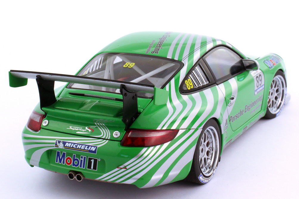 Foto 1:18 Porsche 911 GT3 Cup 997 Supercup 2006 Porsche Engineering Nr.89 VIP-Car - AUTOart 80682