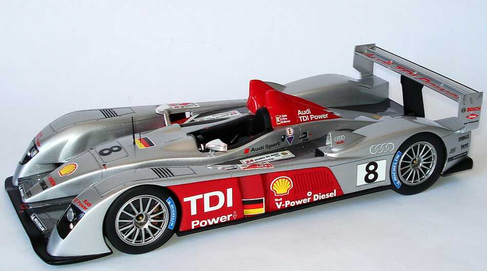 audi r10 tdi 24h von le mans 2006 nr 8 biela pirro werner siegerfahrzeug spark s1808 bild 3. Black Bedroom Furniture Sets. Home Design Ideas