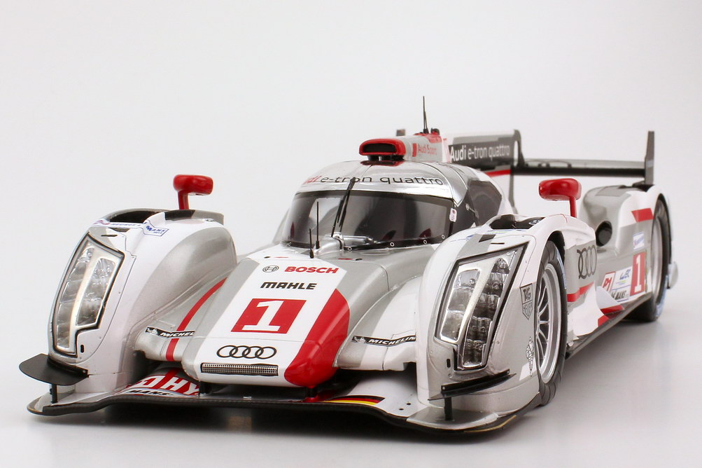 audi r18 e tron quattro 24h von lemans 2012 nr 1 marcel f ssler andr lotterer beno t. Black Bedroom Furniture Sets. Home Design Ideas