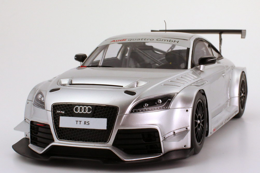 1 18 audi tt rs vln p sentation silber met werbemodell. Black Bedroom Furniture Sets. Home Design Ideas