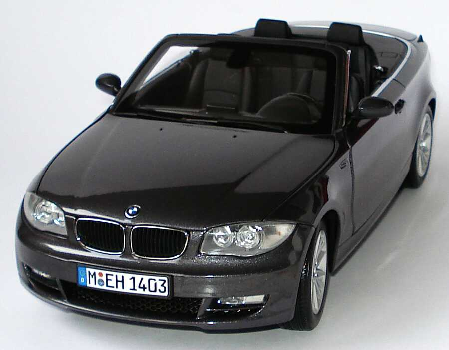 bmw 1er cabrio e88 sparklinggraphite met werbemodell kyosho 80430427022 bild 2. Black Bedroom Furniture Sets. Home Design Ideas