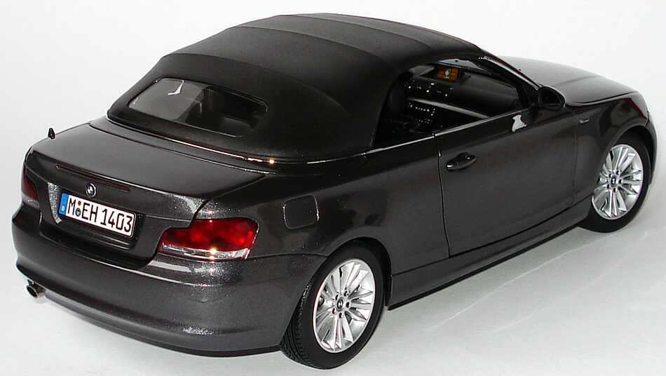 bmw 1er cabrio e88 sparklinggraphite met werbemodell kyosho 80430427022 bild 11. Black Bedroom Furniture Sets. Home Design Ideas