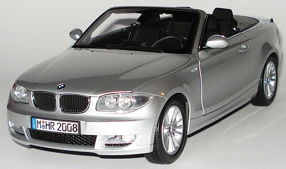 1 18 bmw 1er cabrio e88 titansilber met werbemodell. Black Bedroom Furniture Sets. Home Design Ideas