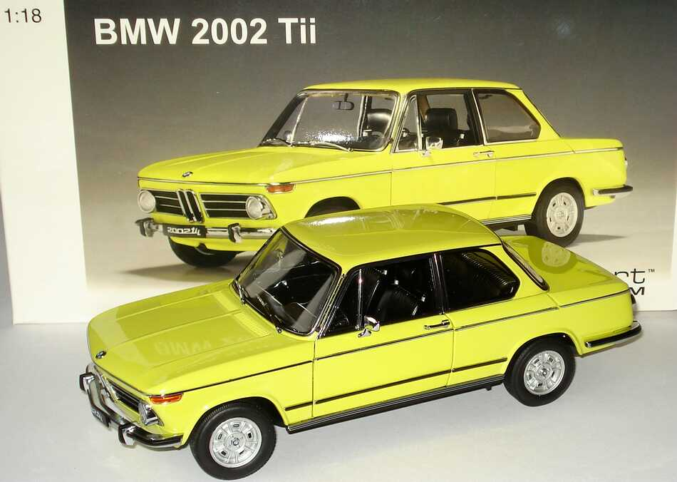 1 18 bmw 2002 tii gelb autoart 70508. Black Bedroom Furniture Sets. Home Design Ideas