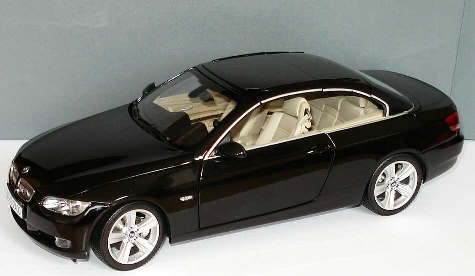 1 18 bmw 3er cabrio e93 saphirschwarz met werbemodell kyosho 80430413375. Black Bedroom Furniture Sets. Home Design Ideas