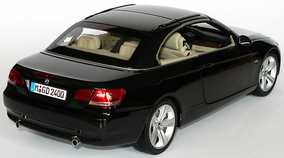 bmw 3er cabrio e93 saphirschwarz met werbemodell kyosho 80430413375 bild 4. Black Bedroom Furniture Sets. Home Design Ideas
