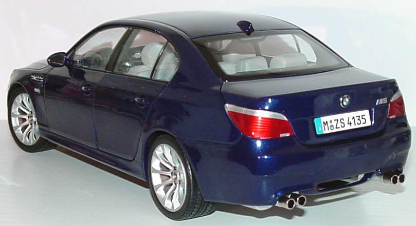 Foto 1:18 BMW M5 (E60) interlagosblue-met. Werbemodell Kyosho 80430391748