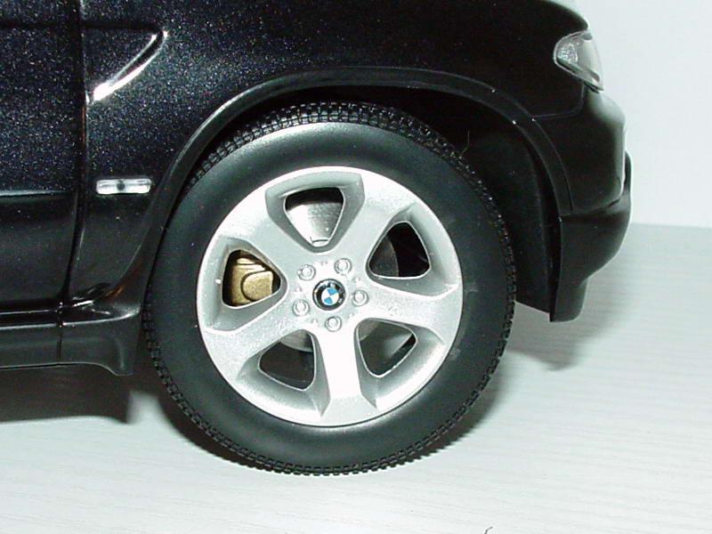 Foto 1:18 BMW X5 3.0d Facelift saphirschwarz-met. Werbemodell Kyosho 80430309114