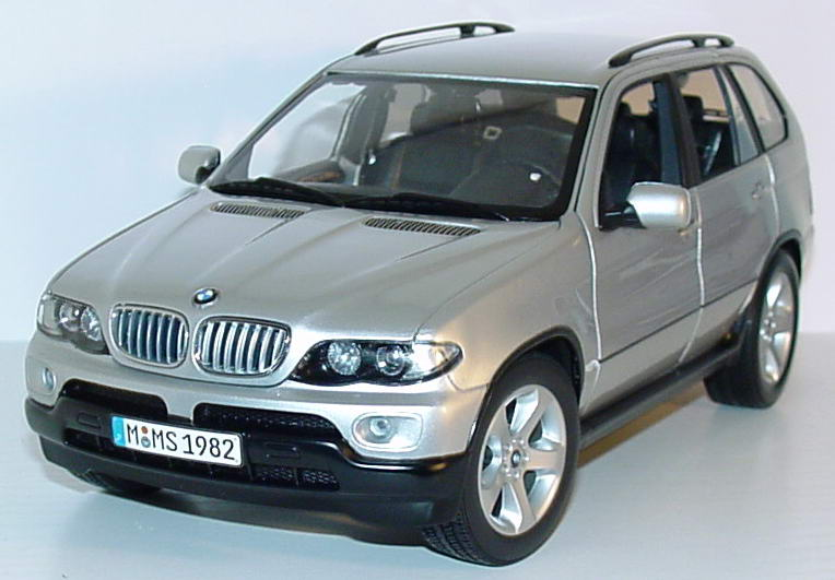 Foto 1:18 BMW X5 4.4i Facelift titansilber-met. Werbemodell Kyosho 80430309115