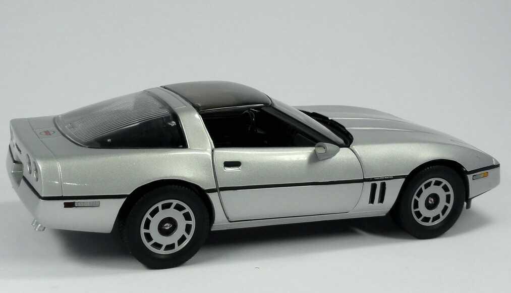 chevrolet corvette c4 silber met movie james bond 007 a view to a kill ertl 33851 bild 6. Black Bedroom Furniture Sets. Home Design Ideas