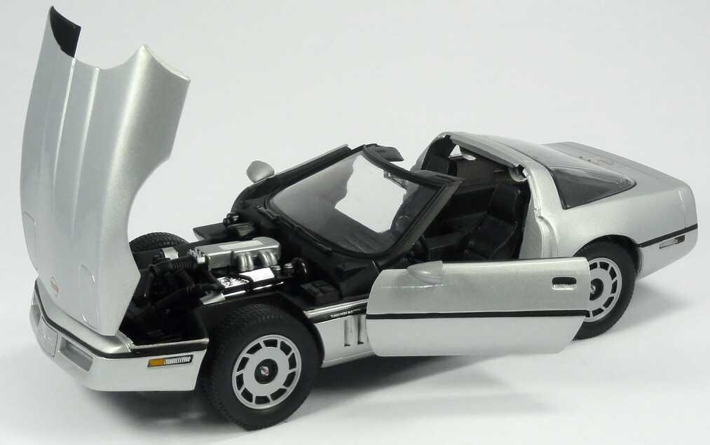 chevrolet corvette c4 silber met movie james bond 007 a view to a kill ertl 33851 bild 8. Black Bedroom Furniture Sets. Home Design Ideas