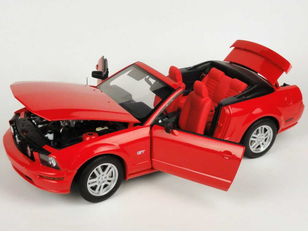 ford mustang gt cabrio 2006 rot autoart 73061 bild 6. Black Bedroom Furniture Sets. Home Design Ideas