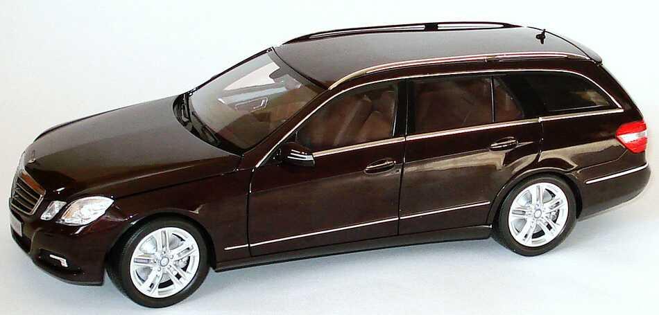 1 18 mercedes benz e klasse t modell s212 avantgarde cupritbraun met werbemodell minichamps. Black Bedroom Furniture Sets. Home Design Ideas