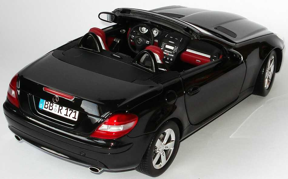 mercedes benz slk r171 mit funktionalem variodach. Black Bedroom Furniture Sets. Home Design Ideas