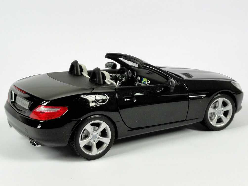 mercedes benz slk r172 obsidian schwarz met werbemodell. Black Bedroom Furniture Sets. Home Design Ideas