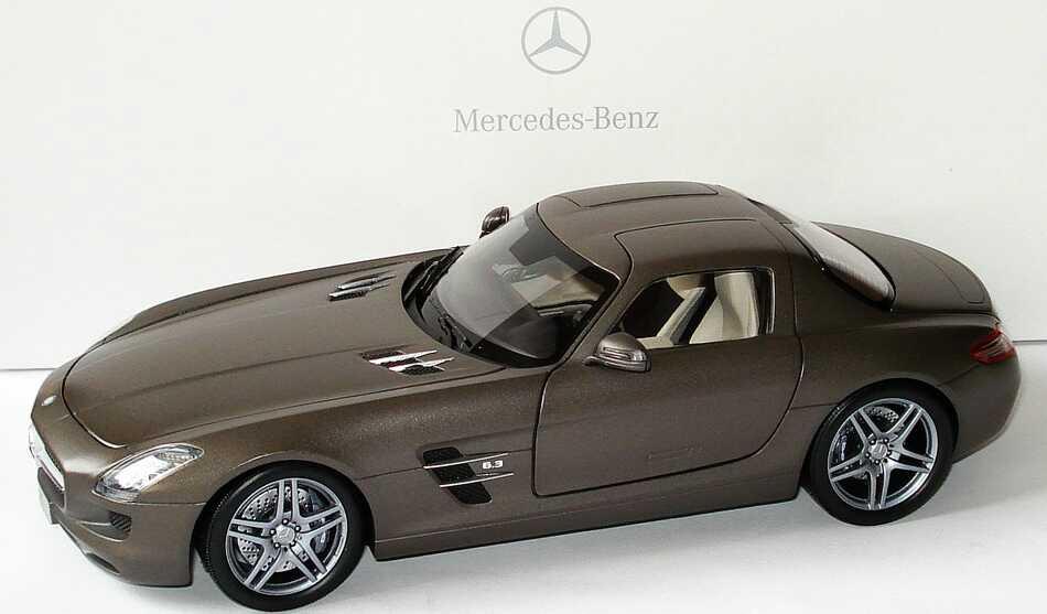 1:18 Mercedes-Benz SLS AMG monzagrau magno (MB)