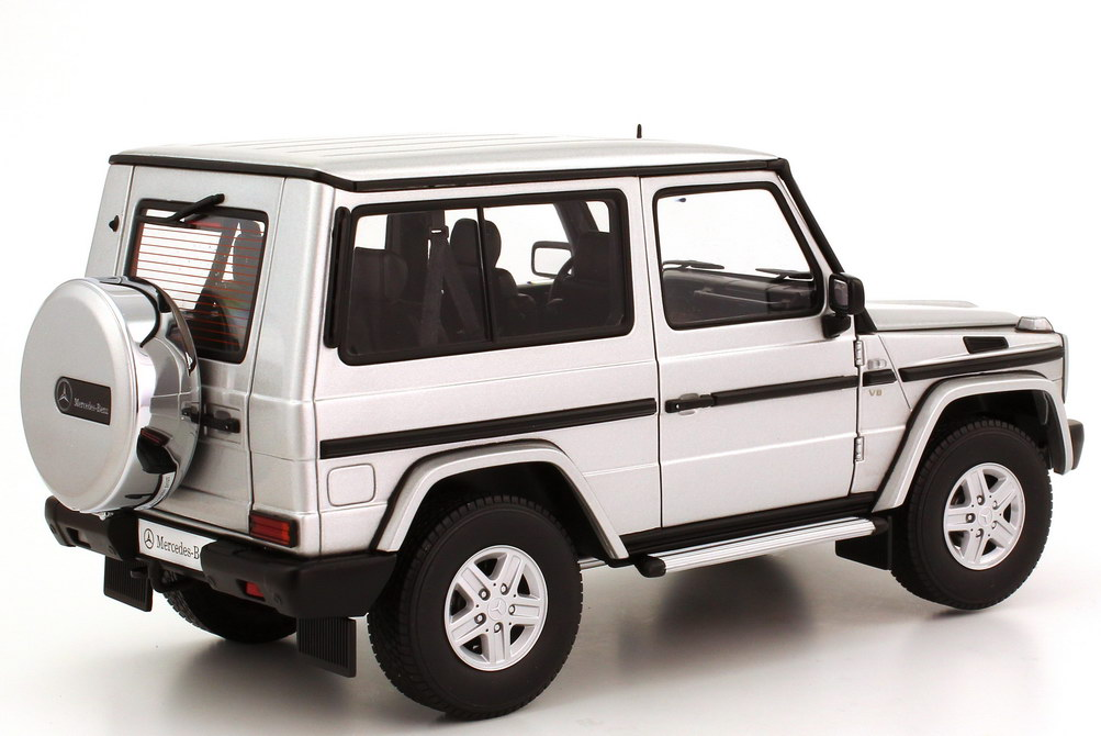 mercedes benz g modell kurz g 500 1989 w463 swb silber met autoart 76112 bild 6. Black Bedroom Furniture Sets. Home Design Ideas