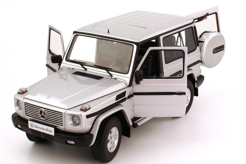 mercedes benz g modell kurz g 500 1989 w463 swb silber met autoart 76112 bild 8. Black Bedroom Furniture Sets. Home Design Ideas
