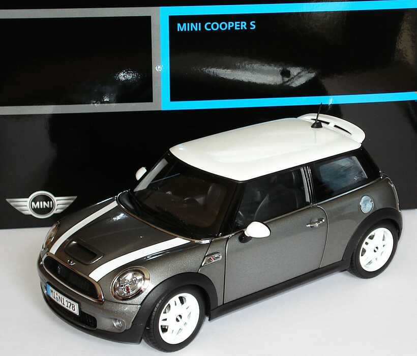 1 18 mini cooper s 2006 darksilvermet dach wei werbemodell kyosho 80430410408. Black Bedroom Furniture Sets. Home Design Ideas