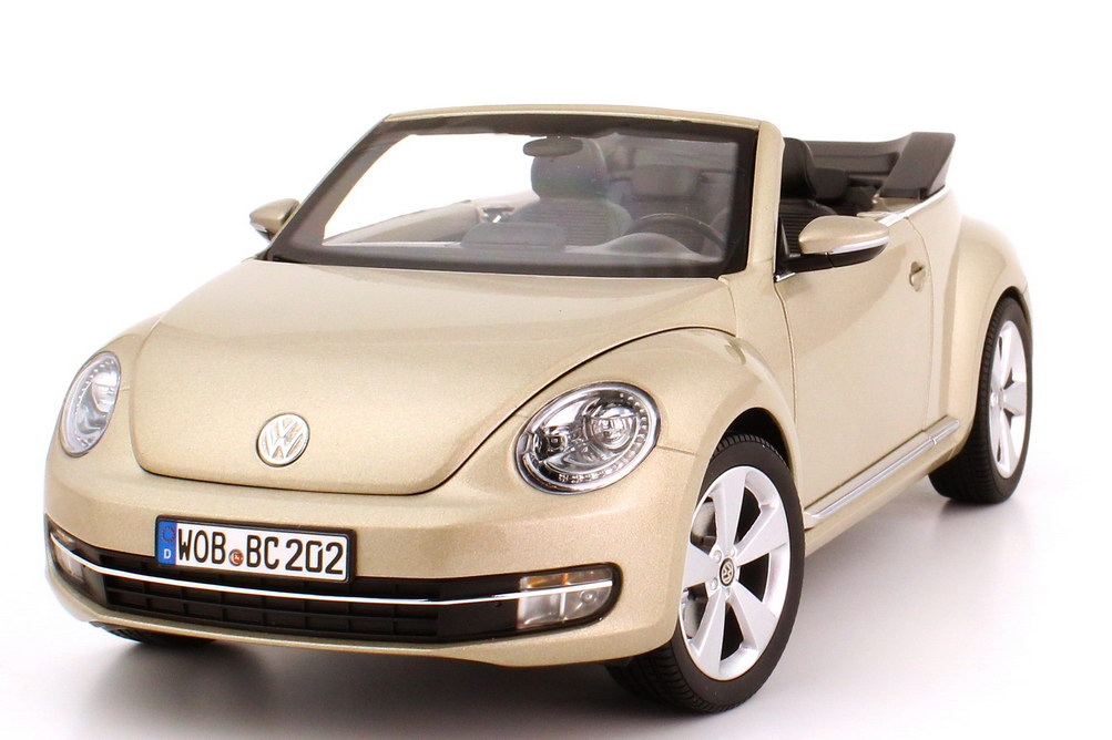 1 18 vw beetle cabrio convertible 2012 moon rock silver. Black Bedroom Furniture Sets. Home Design Ideas
