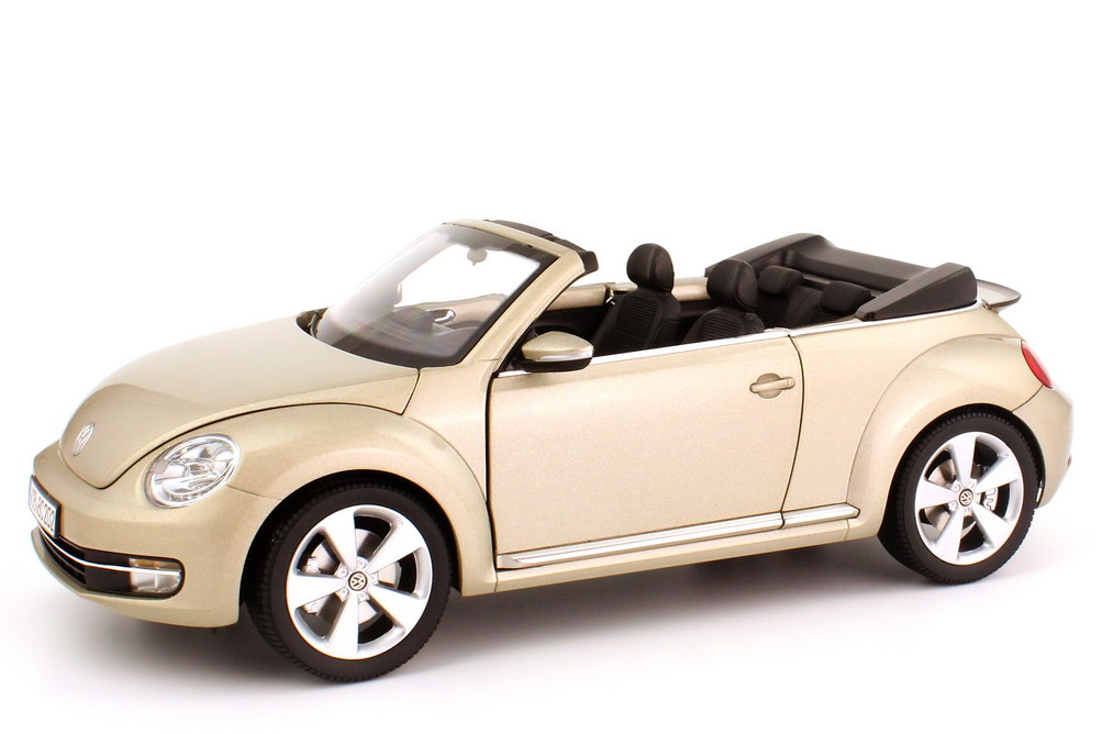 1 18 vw beetle cabriolet convertible 2012 lune rock silver. Black Bedroom Furniture Sets. Home Design Ideas