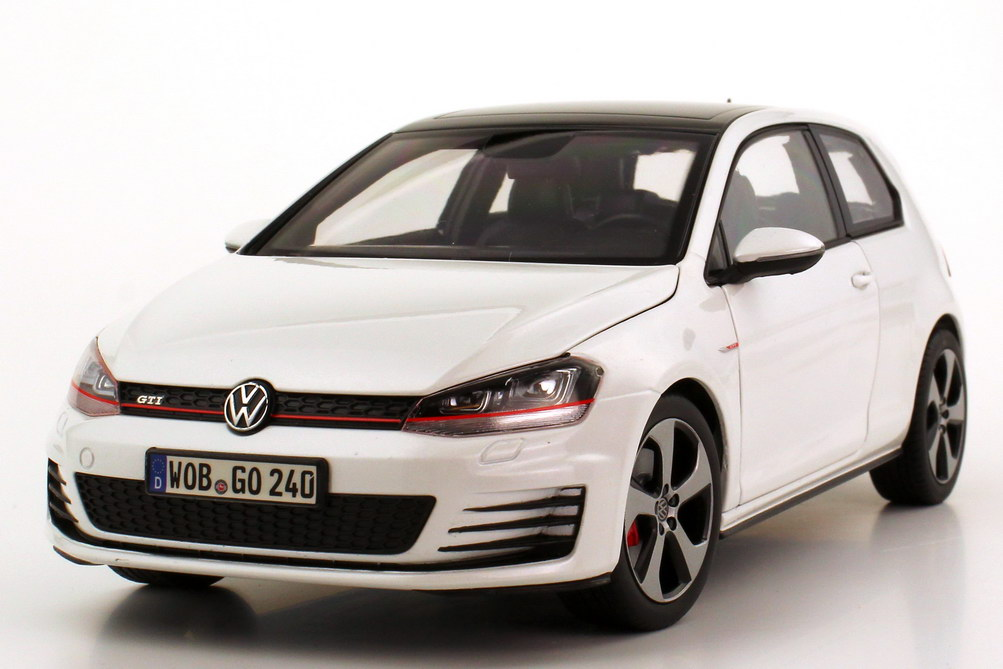 1 18 vw golf vii gti 2013 2t rig oryx wei perleffekt werbemodell norev 5g3099302ujv. Black Bedroom Furniture Sets. Home Design Ideas