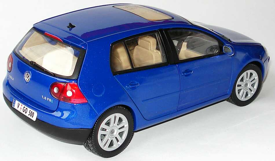 vw golf v 4t rig blau met werbemodell bburago. Black Bedroom Furniture Sets. Home Design Ideas