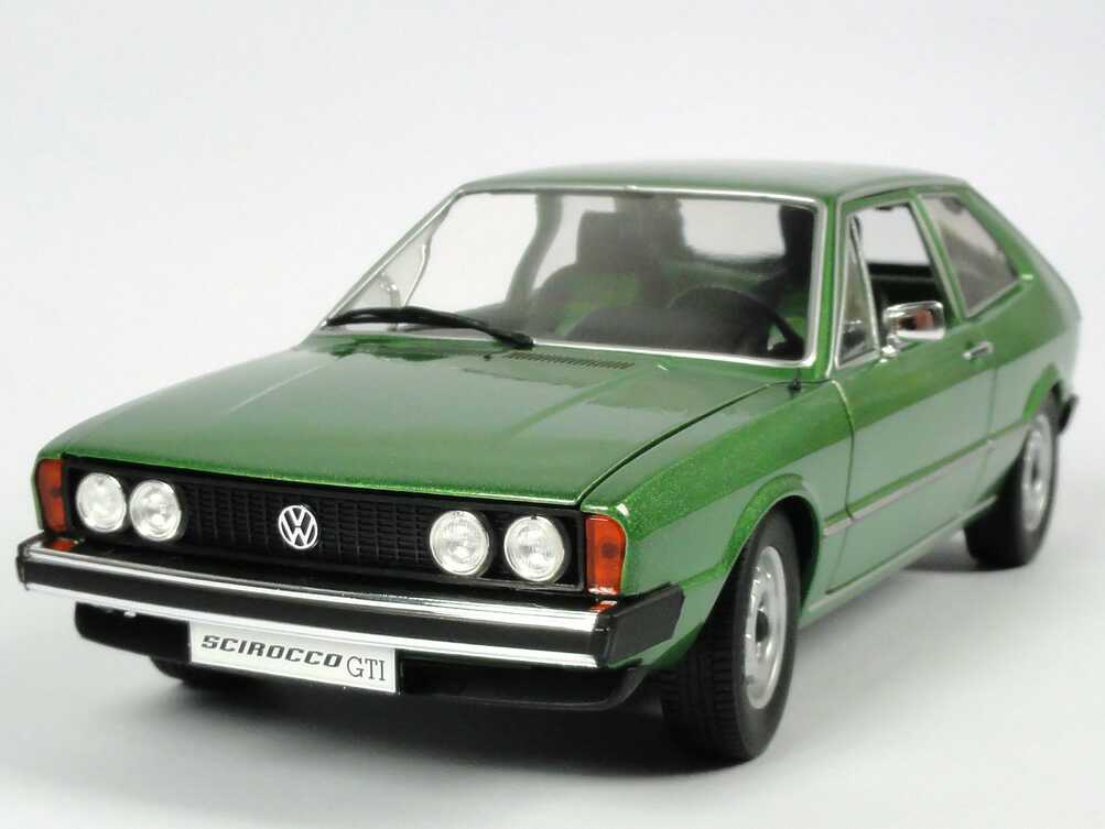 1 18 volkswagen vw scirocco i mk1 gti 1974 vipern gr n green revell nib ebay. Black Bedroom Furniture Sets. Home Design Ideas