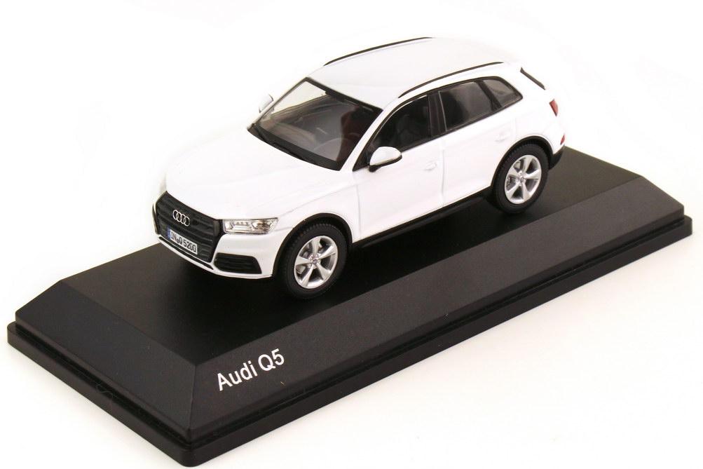 1:43 Audi Q5 2017 (Typ FY) ibisweiß (Audi)