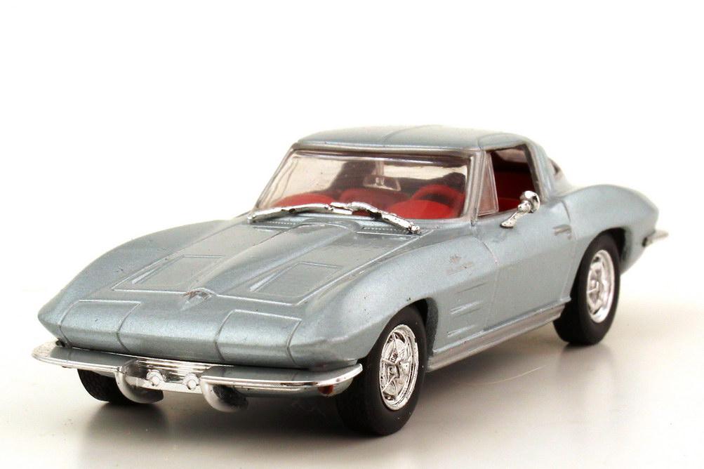 1:43 Chevrolet Corvette C2 Sting Ray 1963 silbergrau-met.