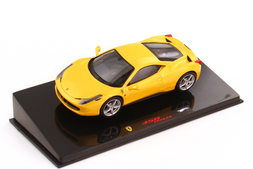 1:43 Ferrari 458 Italia giallo-tristrato-met.