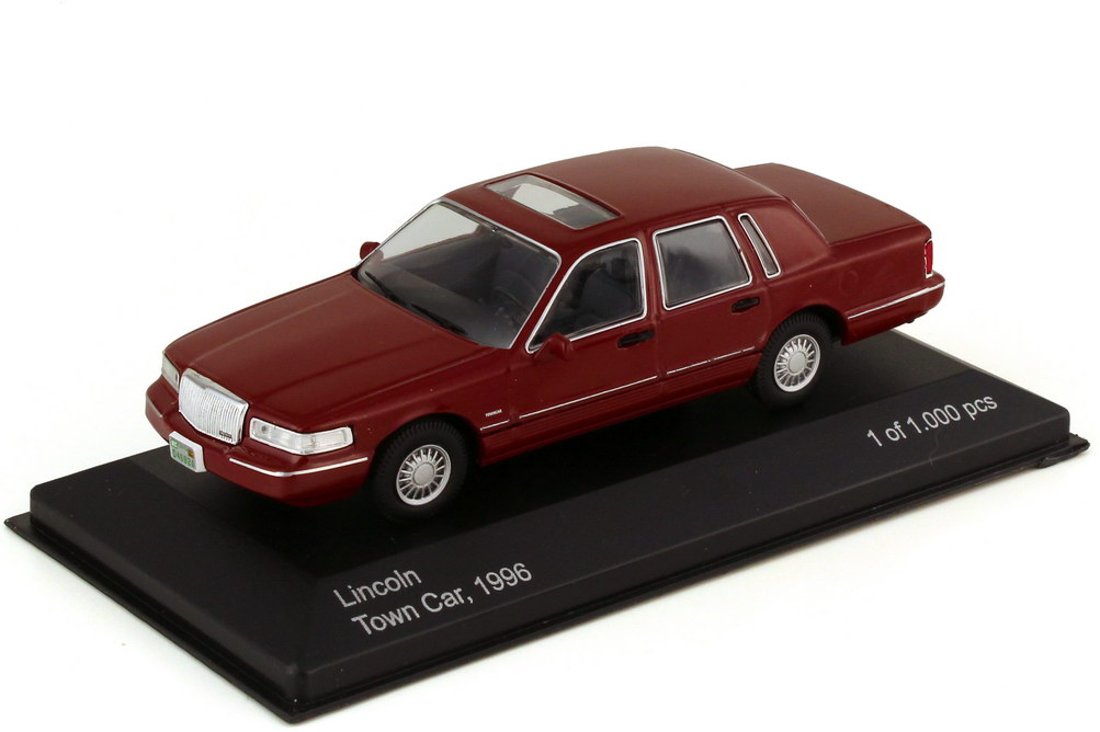 1:43 Lincoln Town Car 1996 weinrot
