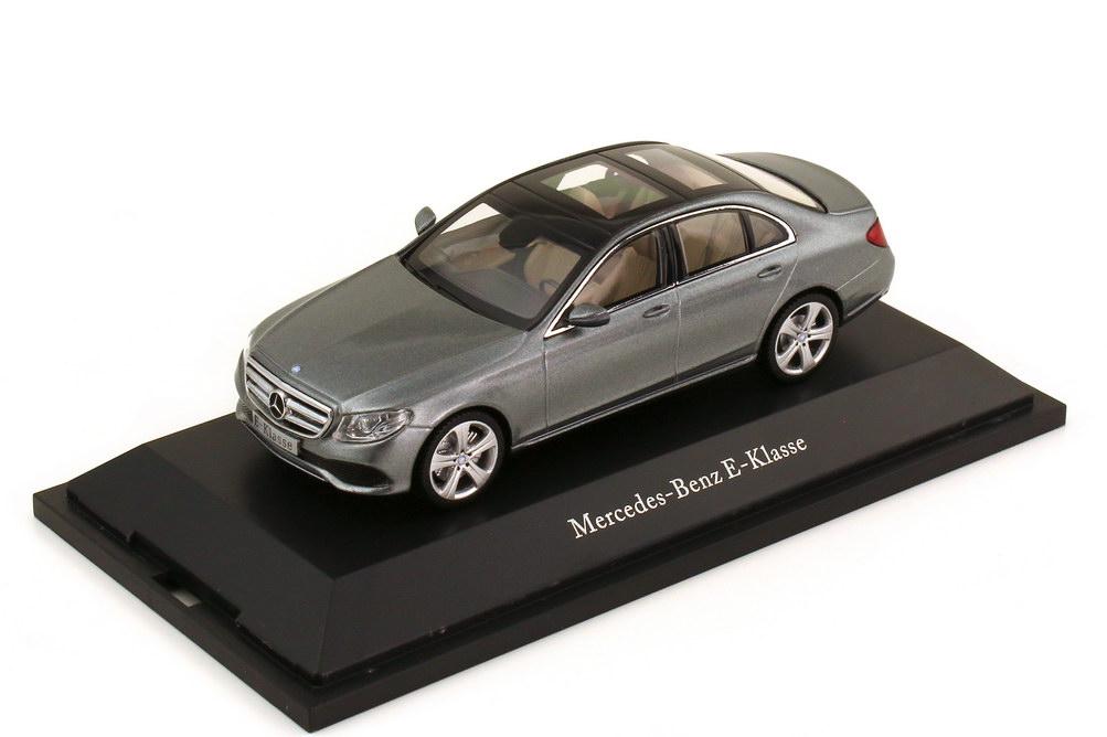 Foto 1:43 Mercedes-Benz E-Klasse W213 Avantgarde selenitgrau-met. - Werbemodell - Kyosho B66960377