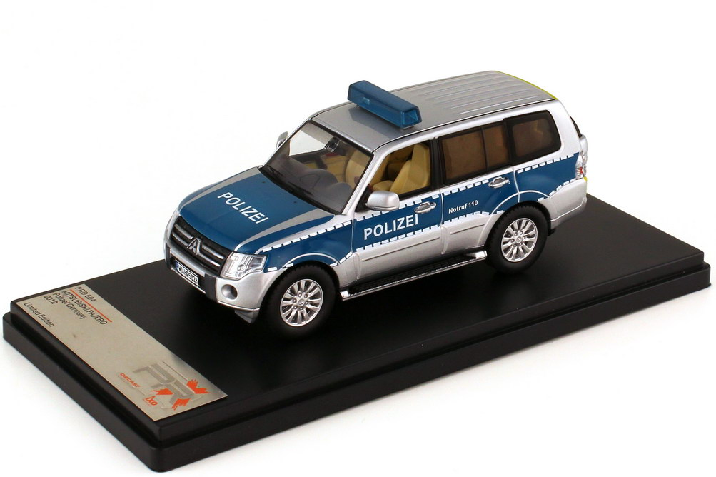 1:43 Mitsubishi Pajero V80 2012 Polizei Hessen silber/blau