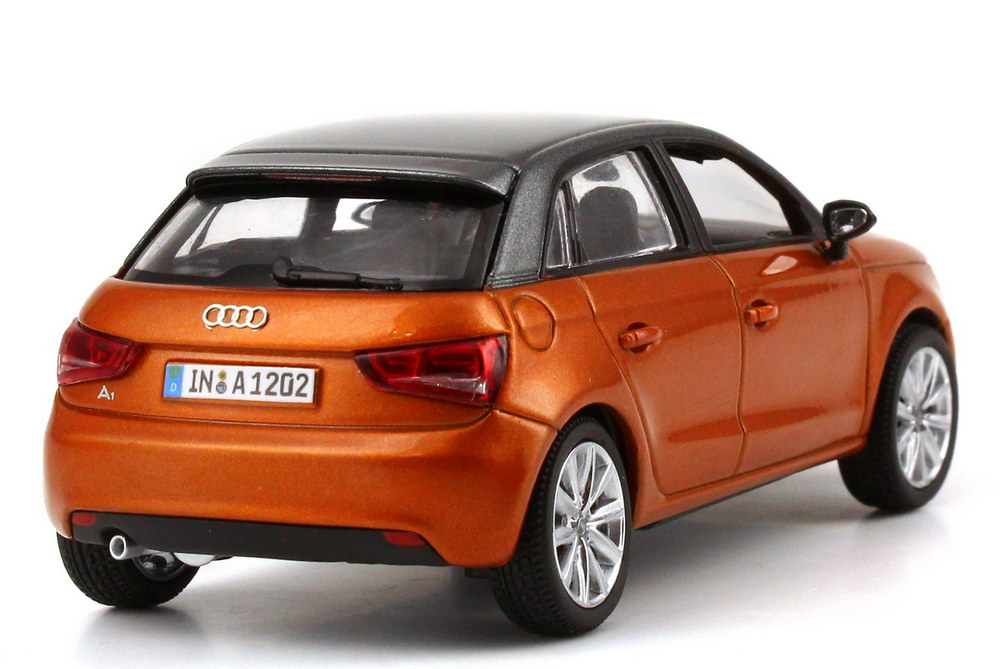 audi a1 sportback samoa orange met daytona grau met werbemodell kyosho 5011201023 bild 5. Black Bedroom Furniture Sets. Home Design Ideas