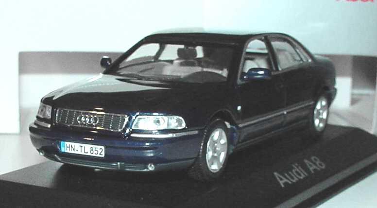 Audi A8 D2 Facelift 2001 Santorinblau Met Werbemodell