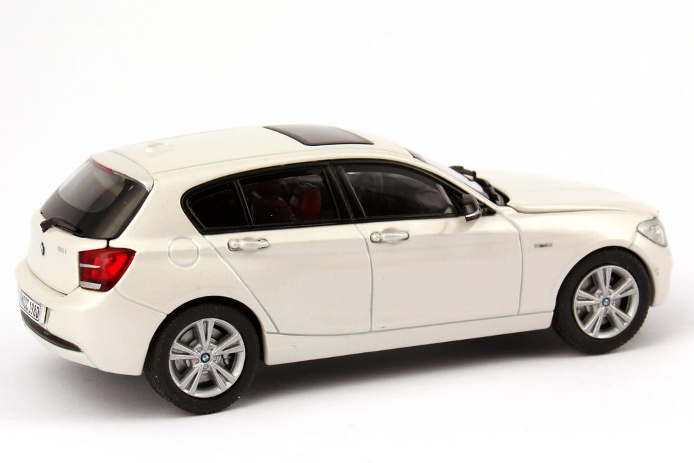 1 43 bmw 1er 2011 f20 5 t rig 5 door mineral wei white. Black Bedroom Furniture Sets. Home Design Ideas