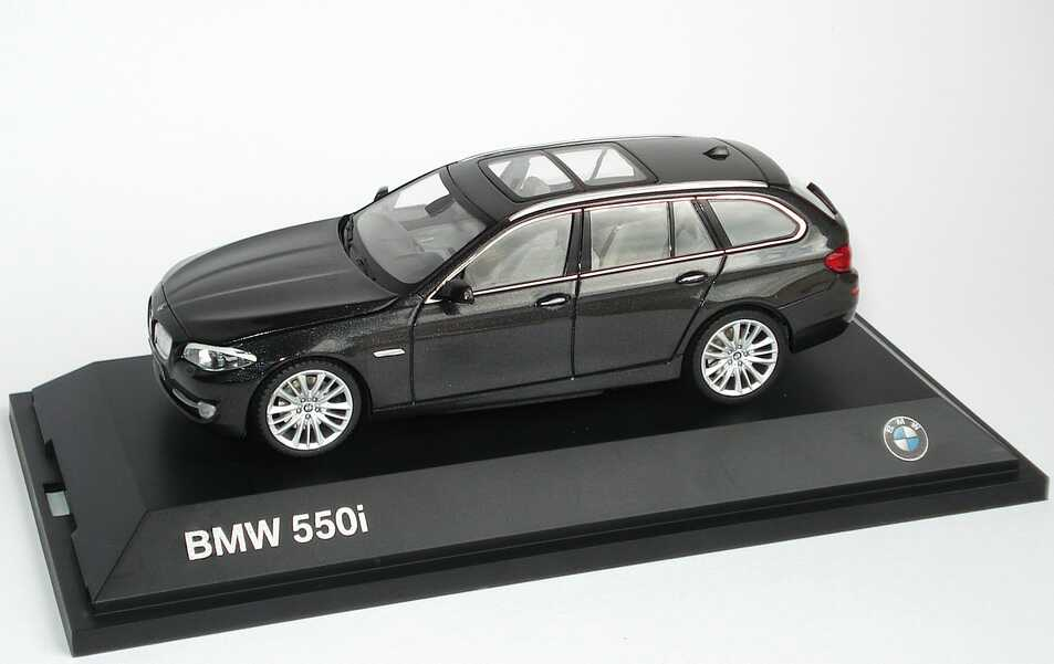 1 43 Bmw 5er 550i Touring F11 Sophistograu Met