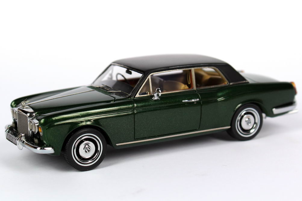 Bentley Corniche Coup 233 British Racing Green Met Neo Scale