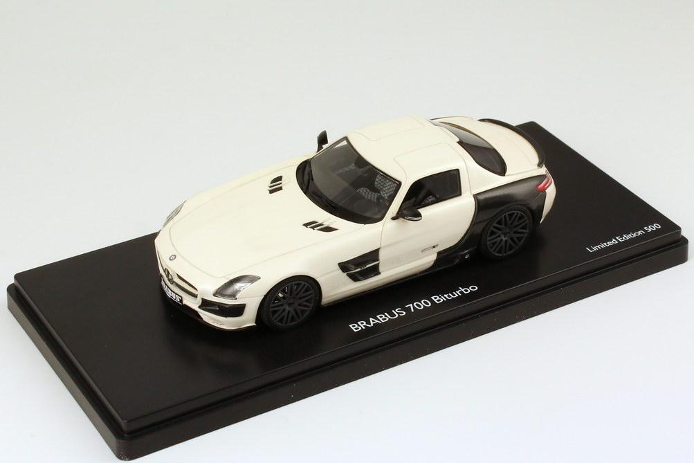 1:43 Brabus 700 Biturbo (Basis Mercedes-Benz SLS AMG (C197)) weiß-met./Carbon-schwarz
