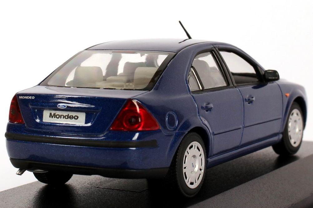 43 Ford Mondeo Stufenheck 2001 (MK3) blau-met. (Ford)