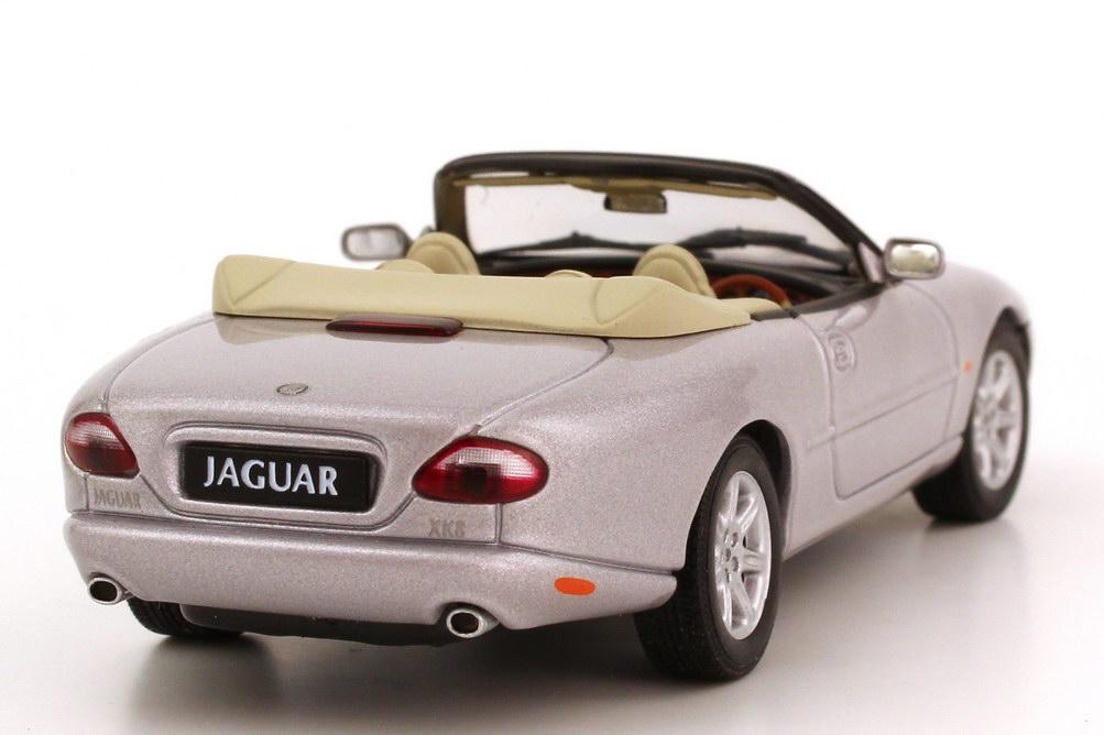 jaguar xk8 x100 cabrio 1996 rhd platinum silver met autoart 53712 bild 5. Black Bedroom Furniture Sets. Home Design Ideas