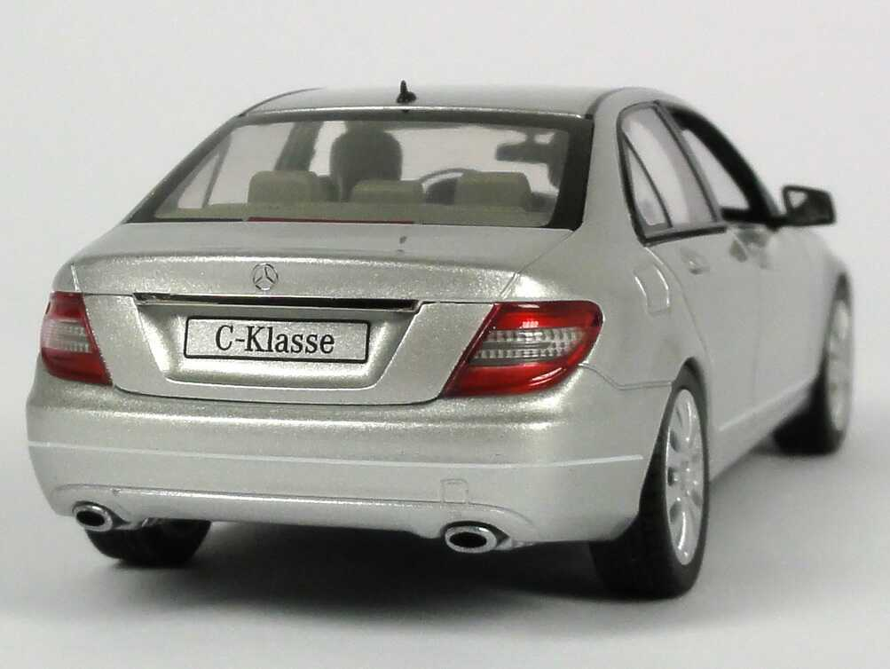 mercedes benz c klasse facelift 2011 w204 mopf iridium silber met werbemodell schuco. Black Bedroom Furniture Sets. Home Design Ideas