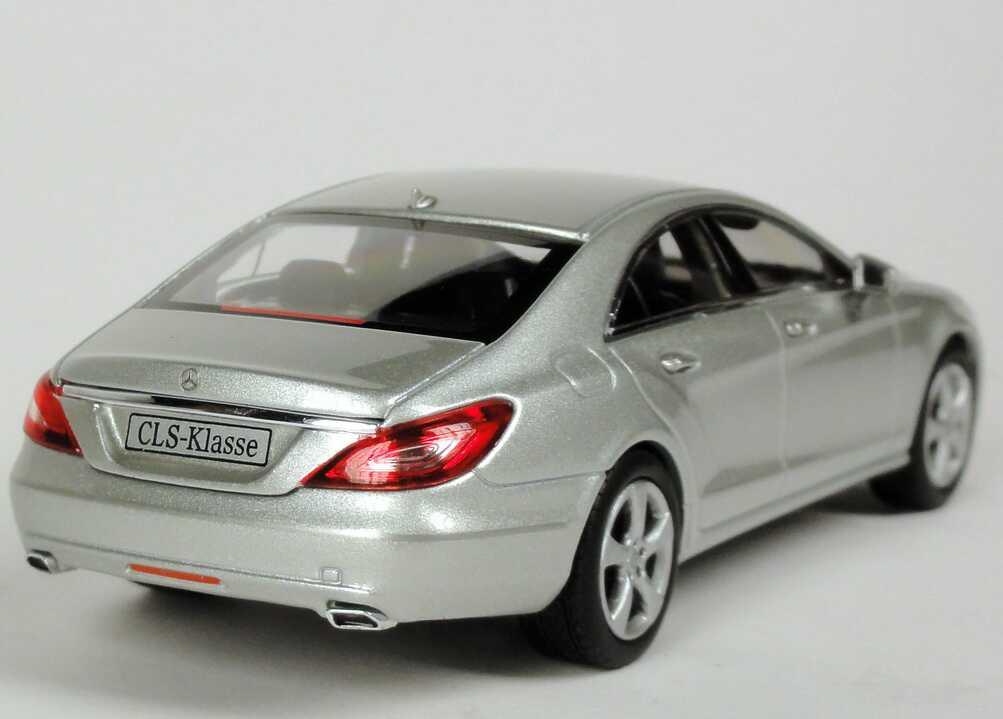 Mercedes benz cls c218 iridiumsilber met werbemodell for Lb mercedes benz