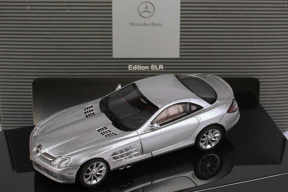 1:43 Mercedes-Benz SLR McLaren (C199) crystal-laurit-silver (MB)