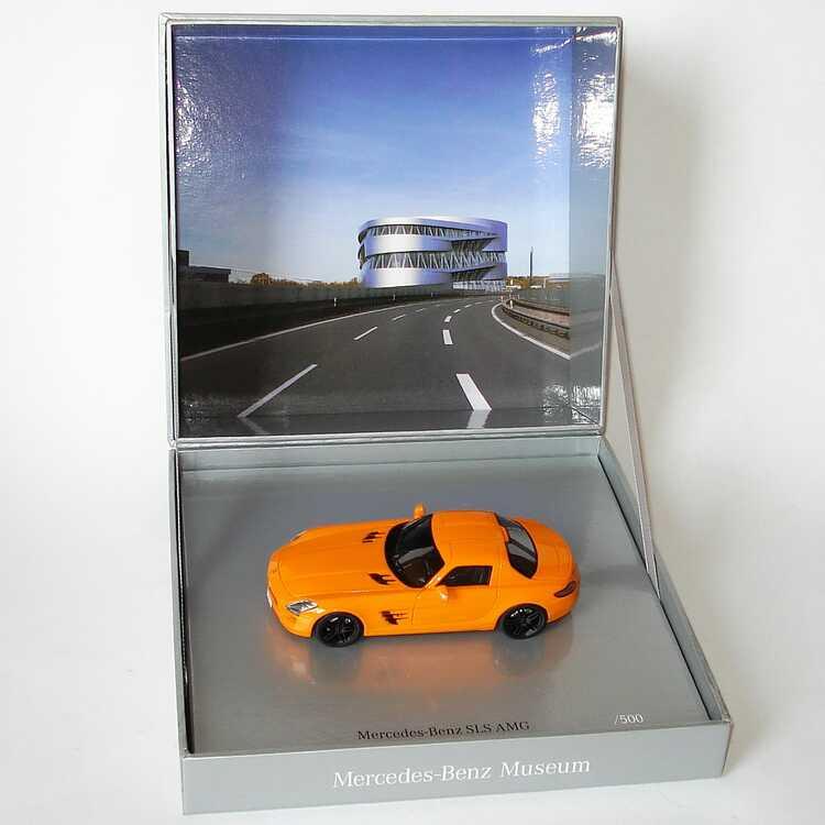 """1:43 Mercedes-Benz SLS AMG pure orange """"Mercedes-Benz Museum"""" limitierte Auflage (MB)"""