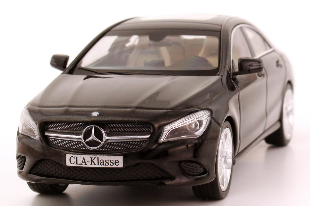 mercedes benz cla klasse 2013 c117 kosmos schwarz met. Black Bedroom Furniture Sets. Home Design Ideas