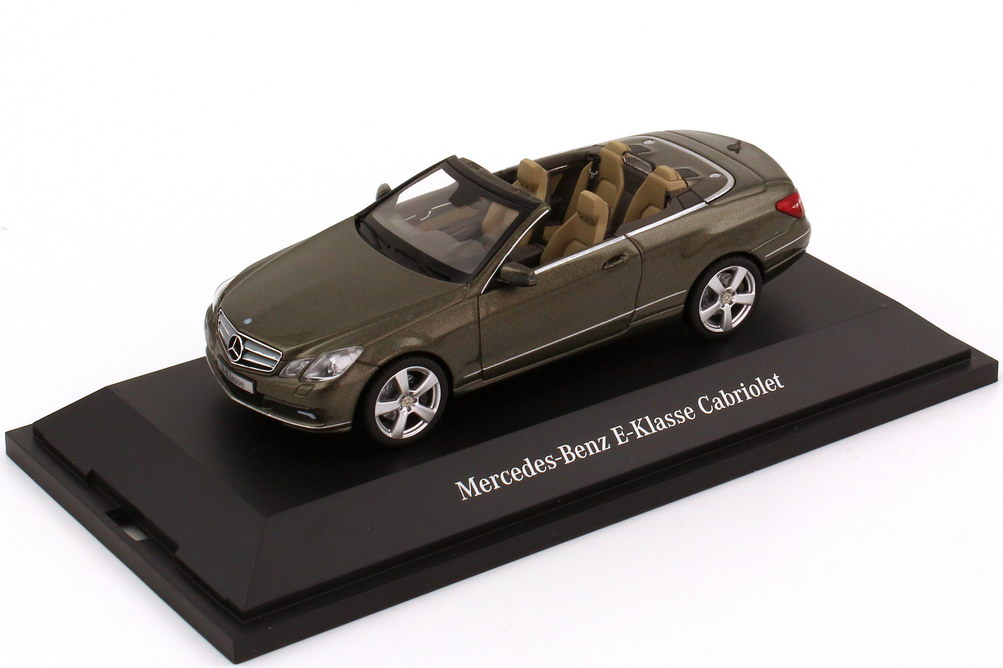 1:43 Mercedes-Benz E-Klasse Cabrio (A207) stannitgrau-met. (MB)